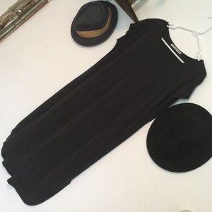 🦚 Double Zero Black cocoon dress